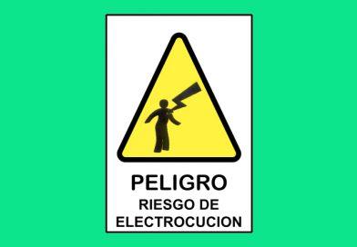Autoadhesivo 001 197 PELIGRO RIESGO DE ELECTROCUCION